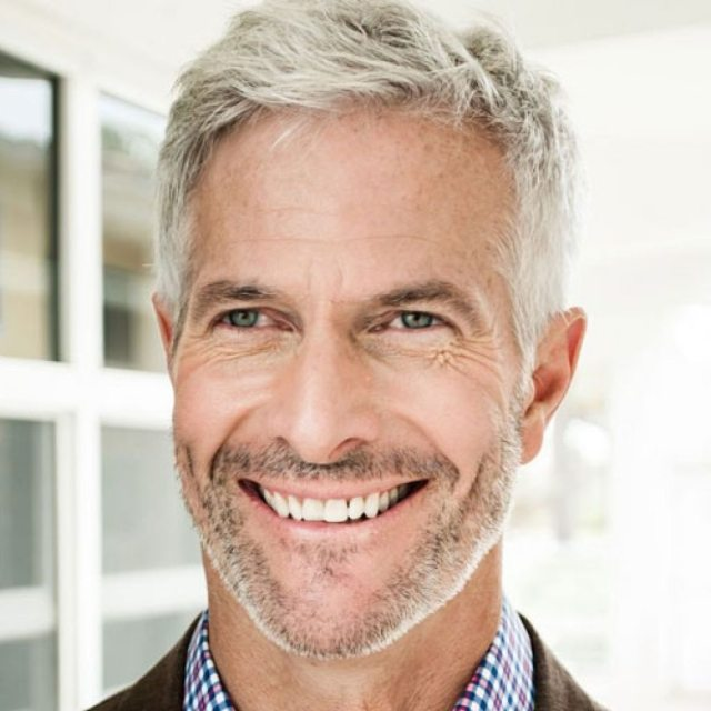 15 hairstyles for older men to look younger - haircuts