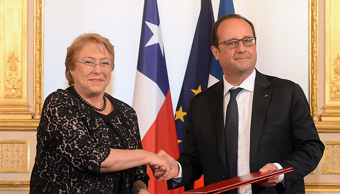 Francois Hollande and Michelle Bachelet