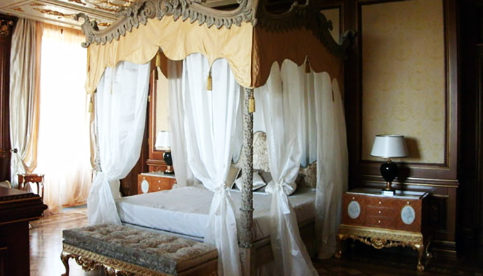 Bedroom in Putin's Palace