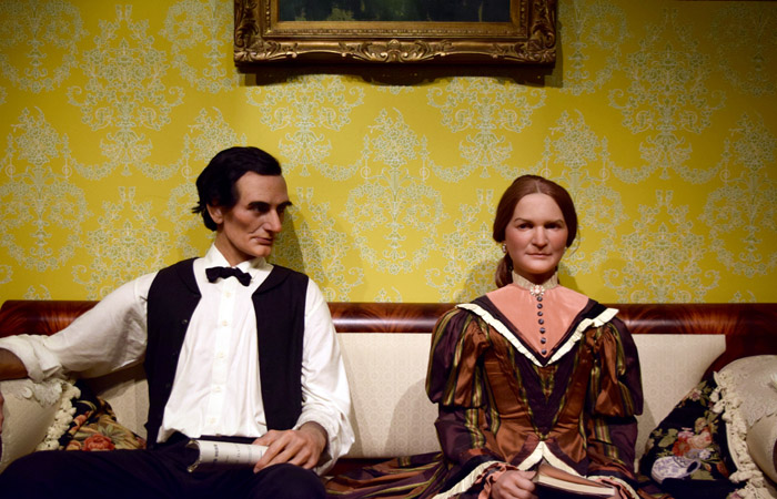 Abraham Lincoln meets Mary Todd