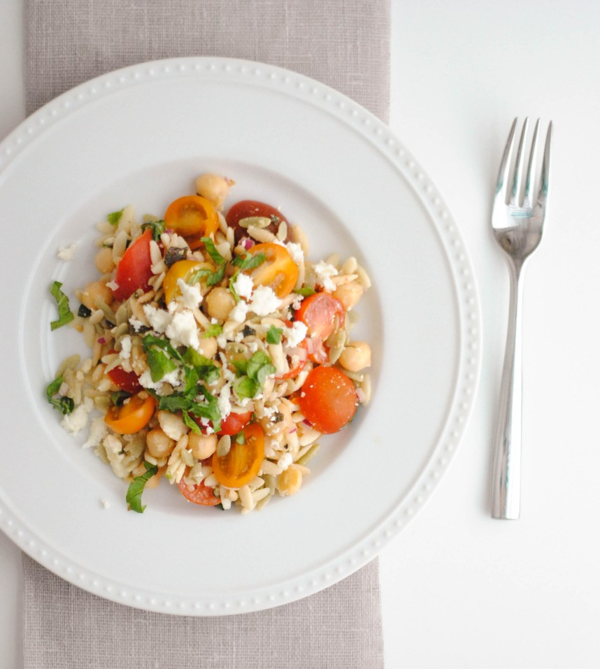 ORZO SALAD WITH CHICKPEAS, TOMATOES, HERBS AND FETA | Hottie Biscotti