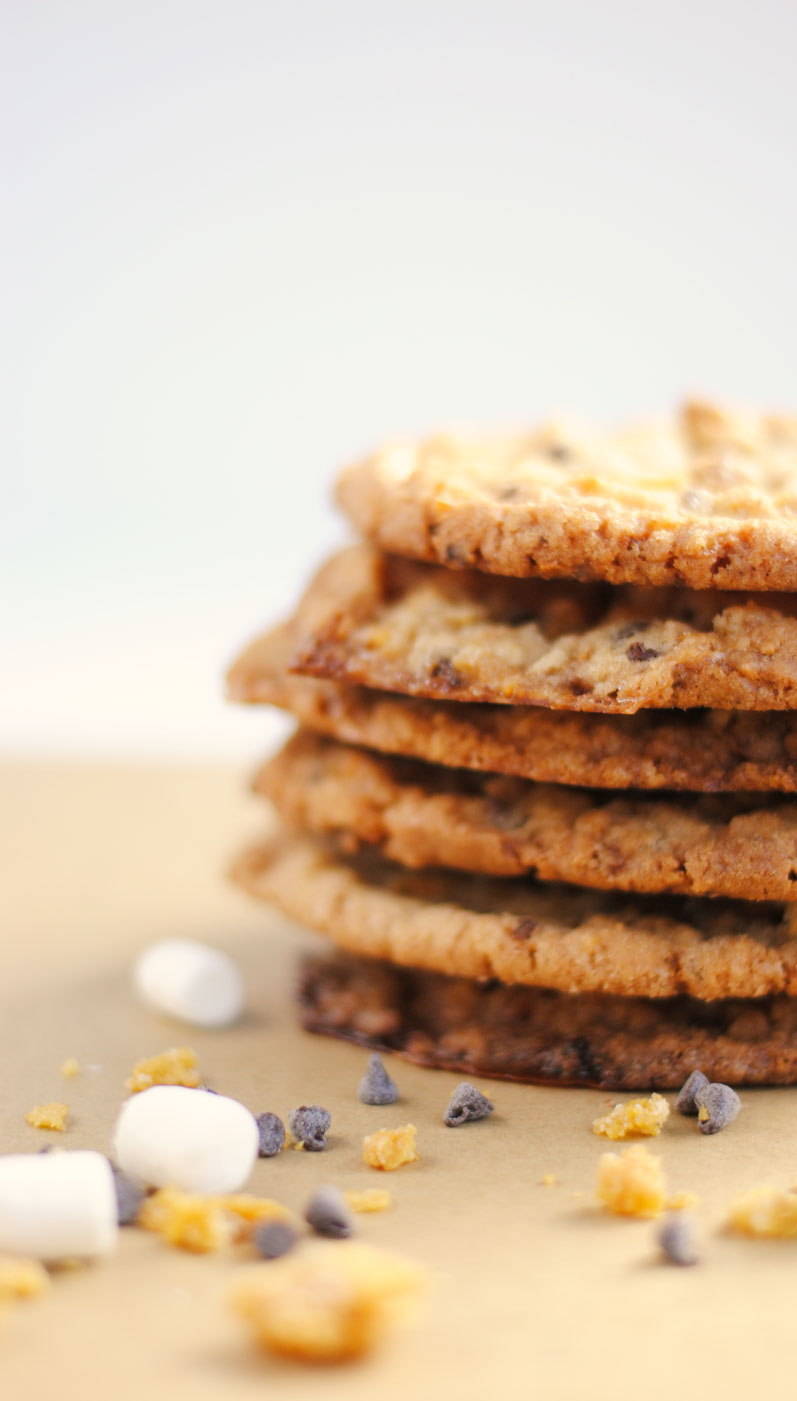 Cornflake, Marshmallow and Chocolate Chip Momofuku Milk Bar Cookies | Hottie Biscotti