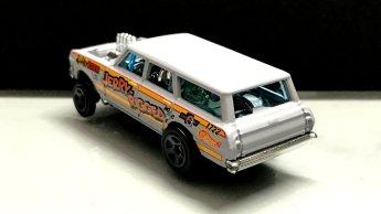 Hot-Wheels-2019-Chevy-Nova-Wagon-Gasser-5