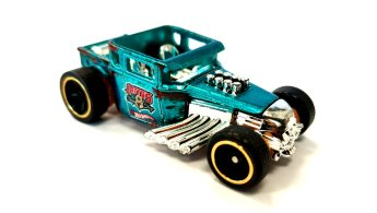 Hot-Wheels-id-Bone-Shaker-002