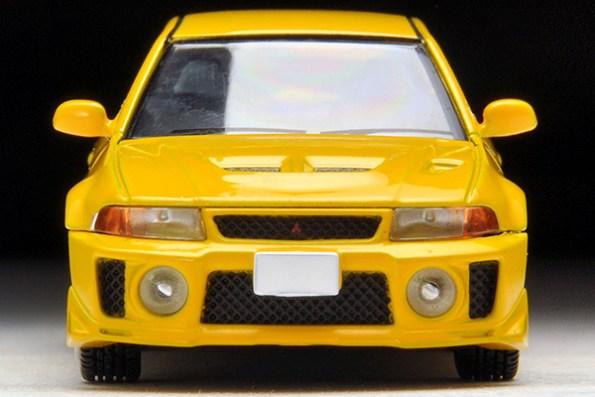 Tomica-Limited-Vintage-Neo-Mitsubishi-Lancer-GSR-Evolution-V-Yellow-3