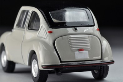Tomica-Limited-Vintage-Neo-Subaru-360-Convertible-1960-Toit-ferme-4