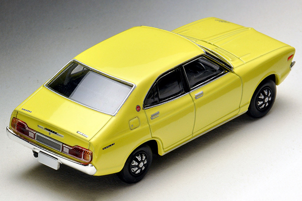 Tomica-Limited-Vintage-Neo-Violet-Nissan-1600SSS-Yellow-2