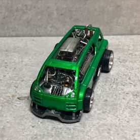 Hot-Wheels-Hyperliner-Rugrat-Custom-Works-003
