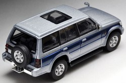 Tomica-Limited-Vintage-Neo-Pajero-Super-Exceed-Z-Silver-Blue-2