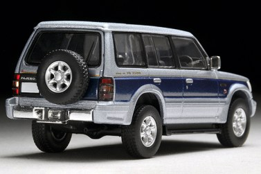Tomica-Limited-Vintage-Neo-Pajero-Super-Exceed-Z-Silver-Blue-4