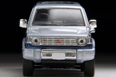 Tomica-Limited-Vintage-Neo-Pajero-Super-Exceed-Z-Silver-Blue-5