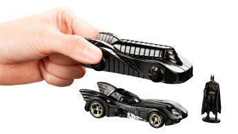 Hot-Wheels-Batman-Batmobile-SDCC-2019-04