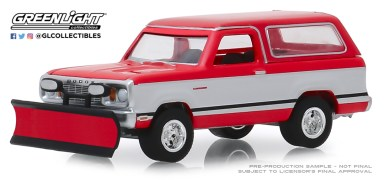 GreenLight-Collectibles-Blue-Collar-Series-6-1977-Dodge-Ramcharger-with-Snow-Plow