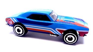 Hot-Wheels-2019-67-Camaro-Treasure-Hunt-004