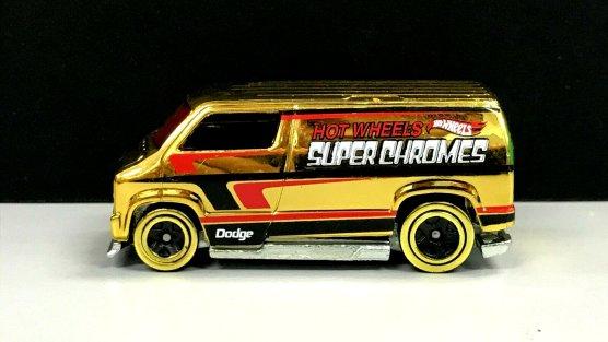 Hot-Wheels-2019- Custom-77-Dodge-Van-Gold-2