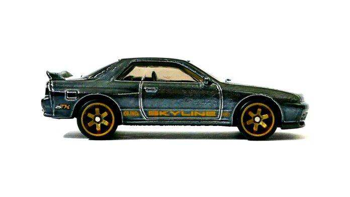 Hot-Wheels-2020-Super-Treasure-Hunt-Nissan-Skyline-GT-R-R32-003