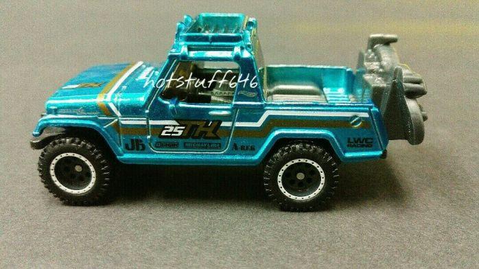 Hot-Wheels-67-Jeepster-Commando-Super-Treasure-Hunt-2020-2
