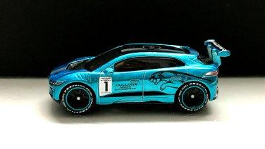 Hot-Wheels-id-Jaguar-I-Pace-eTrophy-003