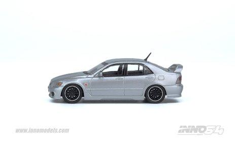 Inno64-Toyota-Altezza-RS200-Z-Edition-003