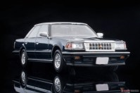 Tomica-Limited-Vintage-Toyota-Crown-3-Royal-Saloon-G-Navy-007