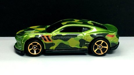 Hot-Wheels-Camouflage-18-Camaro-SS-001