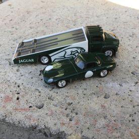 Hot-Wheels-Car-Culture-Team-Transport-Jaguar-004