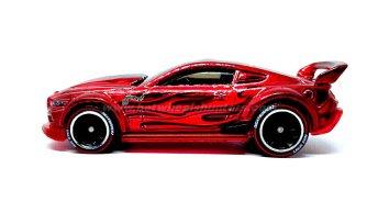 Hot-Wheels-id-Custom-15-Ford-Mustang-002