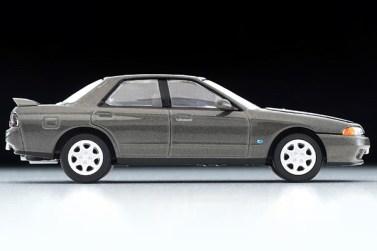 Tomica-Limited-Vintage-Neo-Nissan-Skyline-GTS25-TypeX-G-Grey-005