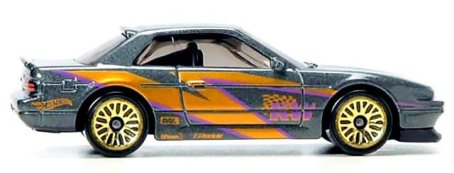 Hot-Wheels-Nissan-Silvia-PS13-002