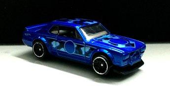 Hot-Wheels-Nissan-Skyline-HT-2000-GT-X-Camo-003