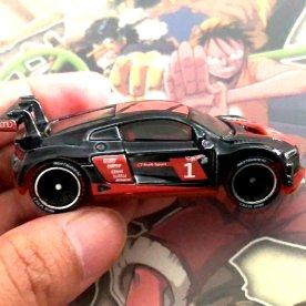 Hot-Wheels-id-Audi-R8-LMS-002
