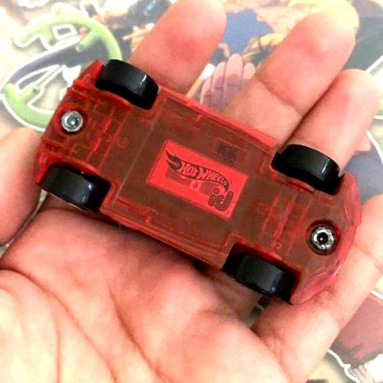 Hot-Wheels-id-Audi-R8-LMS-004