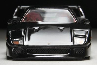 Tomica-Limited-Vintage-Ferrari-F40-black-005