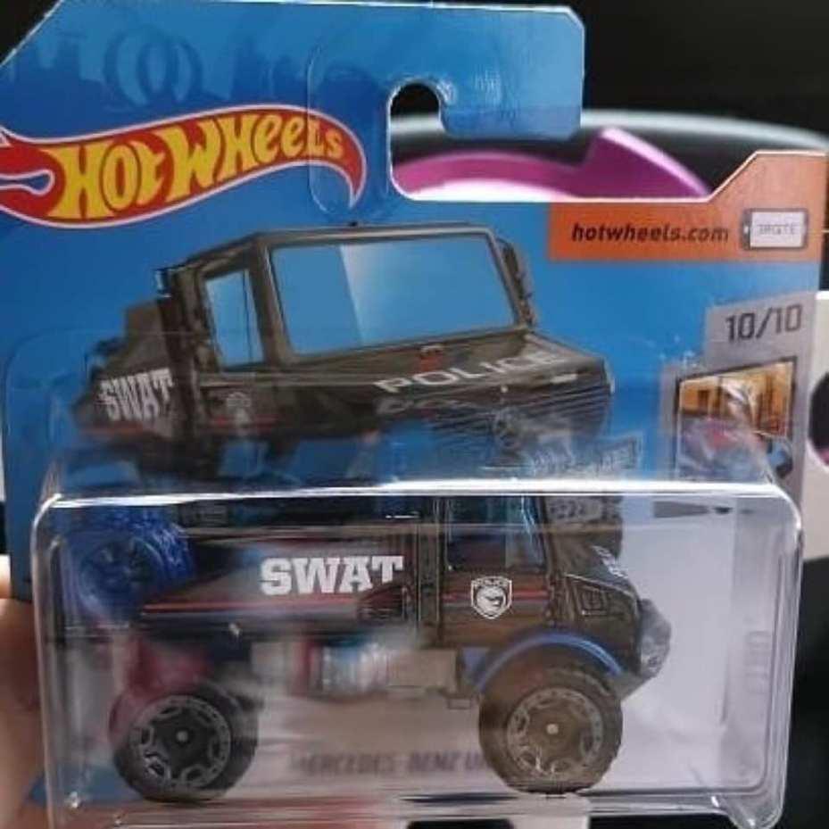 Hot-Wheels-2020-Mercedes-Benz-Unimog-1300-Treasure-Hunt-002
