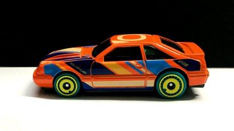 Hot-Wheels-2020-Mustang-92-003