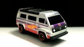 Hot-Wheels-Volkswagen-Sunagon-Walmart-Main-in-001