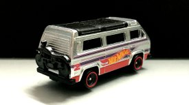 Hot-Wheels-Volkswagen-Sunagon-Walmart-Main-in-003
