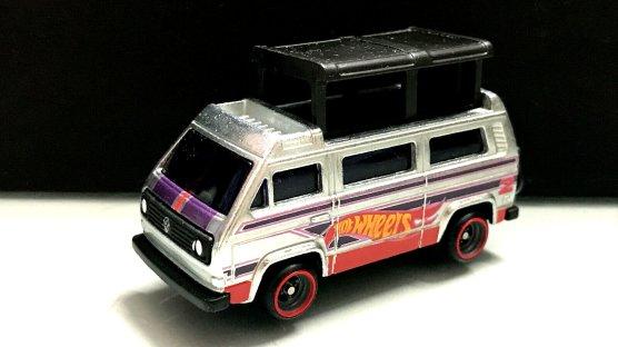 Hot-Wheels-Volkswagen-Sunagon-Walmart-Main-in-004