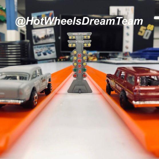 Hot-Wheels-2020-64-Nova-Wagon-Gasser-003