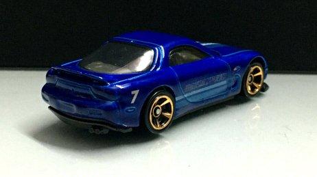 Hot-Wheels-2020-Mainline-95-Mazda-RX-7-002