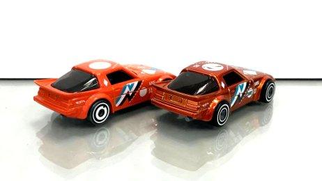 Hot-Wheels-2020-Super-Treasure-Hunt-Mazda-Rx-7-Fb-003