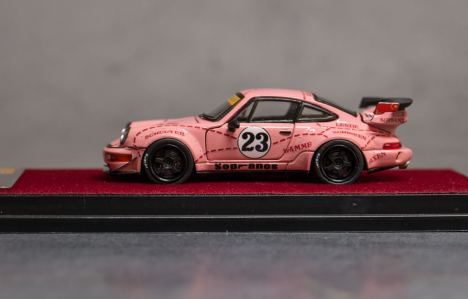 Private-Good-Model-Porsche-RWB-964-Pink-002