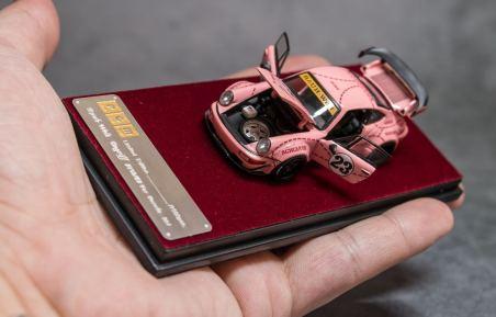 Private-Good-Model-Porsche-RWB-964-Pink-005