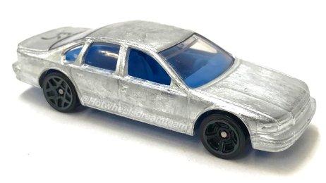 Hot-Wheels-2020-96-Chevrolet-Impala-SS-001