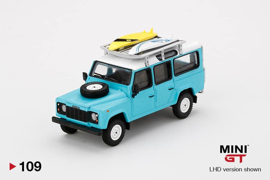 Mini-GT-Land-Rover-Defender-110-Bleu-Surfboard-001