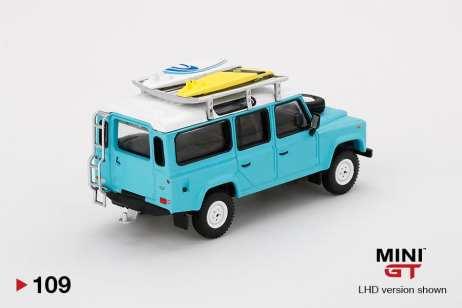 Mini-GT-Land-Rover-Defender-110-Bleu-Surfboard-003