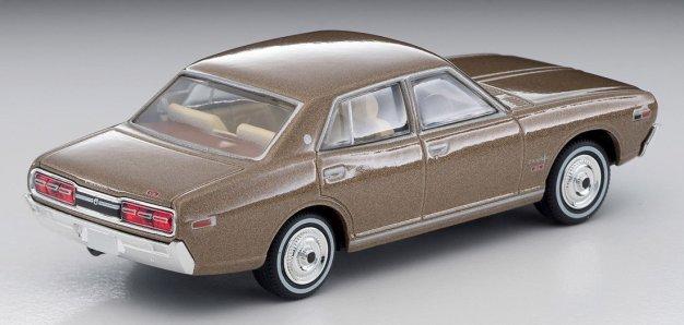 Tomica-Limited-Vintage-Neo-Nissan-Cedric-2000GL-Tea-003