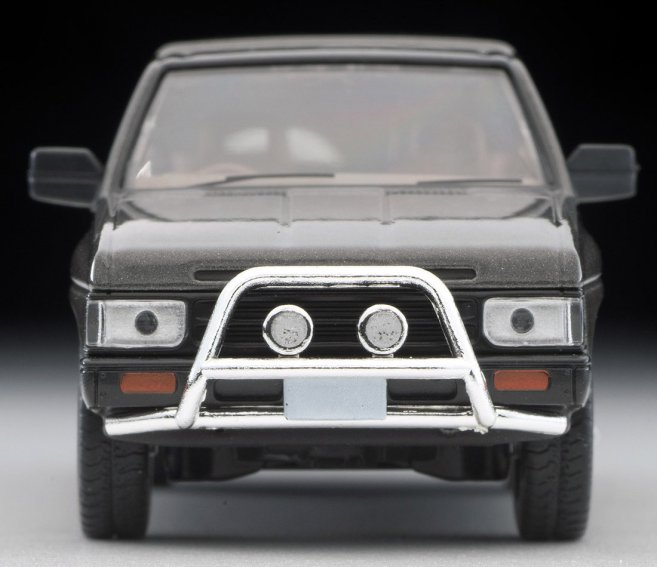 Tomica-Limited-Vintage-Neo-Nissan-Terrano-R3M-Ash-004