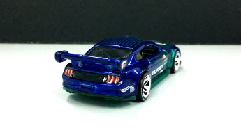 Hot-Wheels-id-2020-Custom-18-Ford-Mustang-GT-003