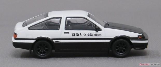 Kyosho-Initial-D-Toyota-Sprinter-Trueno-AE86-003